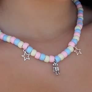 Säljer halsband som jag själv gjort🧚♀️✨⚡️ frakt tillkommer⚡️⚡️