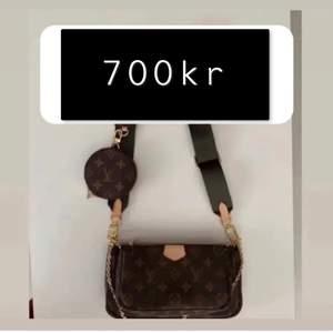 Helt ny lv väska för endast 700kr (svart band) i ett mycket bra skick. Aldrig använd