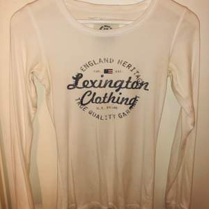 Vit lexington tröja. Inte mycket använd, nypris 999kr!
