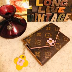 LV (copy) wallet limited edition👛💃🏼... it's a fashionable LV wallet that you can have it!!!🎀🦋🌺 Just only 150kr!!! 🥰🦋👱🏻♀️