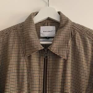Mönstrad skjortjacka/tunn jacka! Knappt använd!