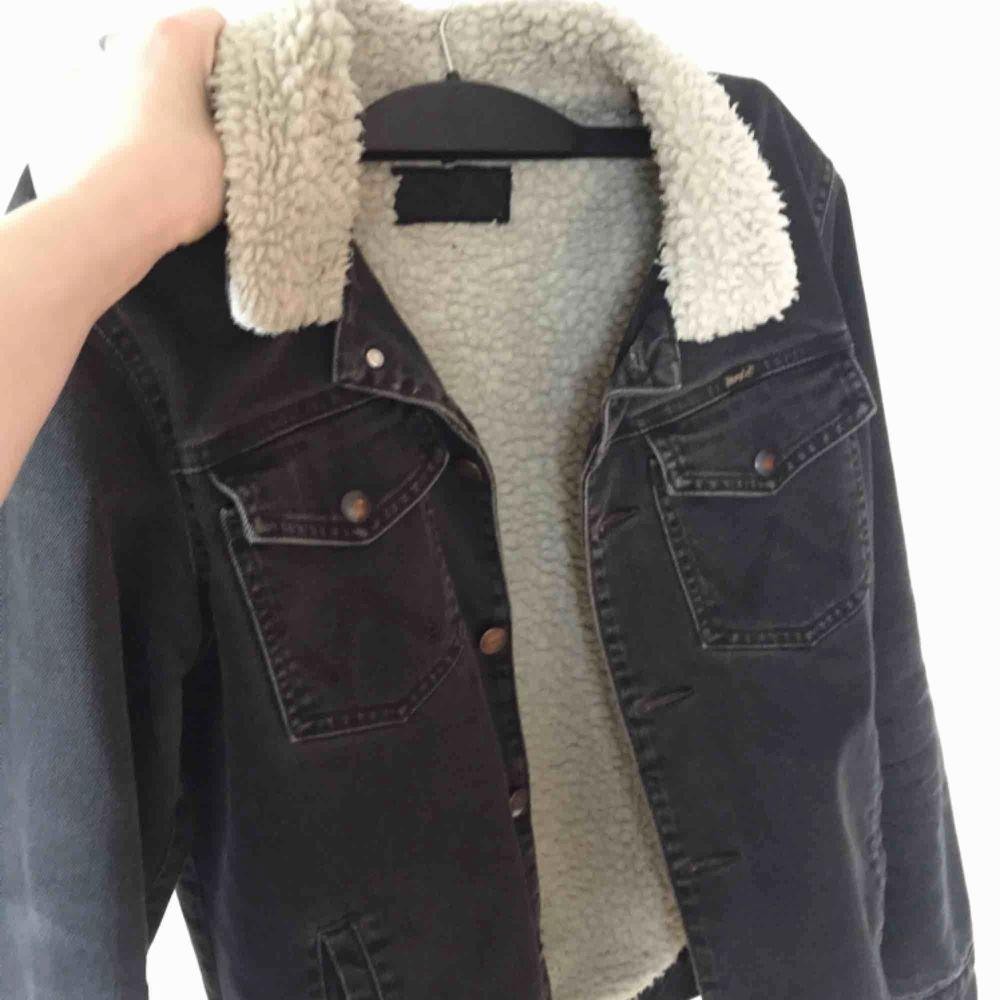 Cutest jacket 💥💥💥 unisex!. Jackor.