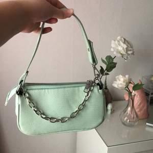 Jättefin väska som är använd ett fåtal gånger så den är i gott som nyskick!