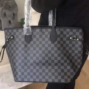 Louis Vuitton väska använt skick