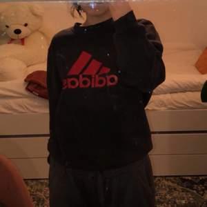 Vintage Adidas sweatshirt / crewneck, super skön men använder den knappast