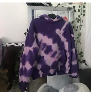 Repost, hoodie från junkyard. Frakten ingår i priset💓 helt oanvänd