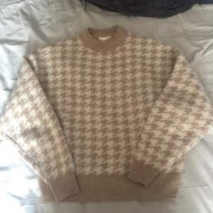 Stickad mjuk tröja från HM
