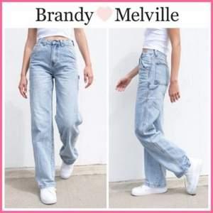Raka Flare jeans från köpta från Brandy Melville.