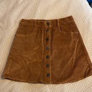 Corduroy kjol från Brandy Melville. Köparen står för frakt 📦 Skick: 10/10