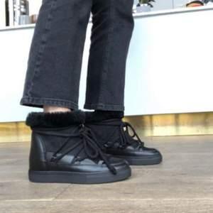 Säljer mina inuikii skor som jag aldrig använt med Klack super snygga🥰