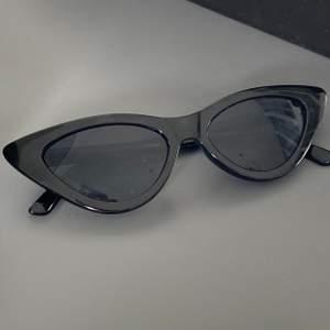 Jättefina solglasögon. Knappt använda. Frakt 66kr.
