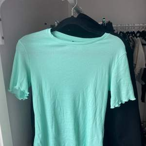 Jätte fin T-shirt oanvänd!!