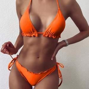 Säljer denna sjukt snygga bikini, passar S-M. Så fin färg. Aldrig använd 💗💗