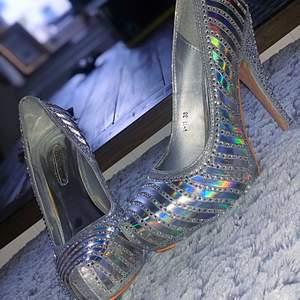 Här har du party skorna som blänker där du går