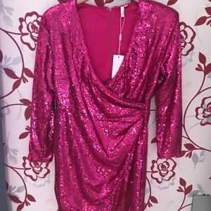 Ny  festklänning size M
