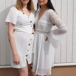 Säljer min klänning från studenten🥰 Det är den högra. Två lager kjol, ej genomskinlig. Mycket fin och den är virkad längst upp. Strl. 36.