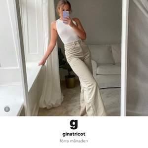 Manchester jeans från Gina använda fåtal gånger bara och storlek 36! Jätte sköna och vida💞