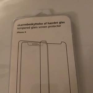 Helt ny glas skärm iPhone X bästa kvaliten, kmr ej till användning pågrund av att jag har annan telefon