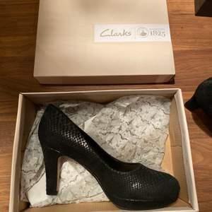Äkta helt oanvända skor från Clarks