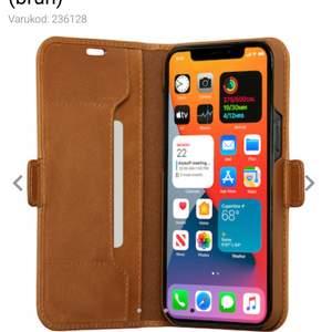 Ett helt nytt oanvänt brunt mobilfodral i endast storlek 11, 11 xr som jag köpte idag men som inte passade min mobil (iphone 11 pro max). Den är i ett väldigt bra oanvänt skick. Frakten är gratis så den ingår, jag tar swish. skriv till mig om du är intresserad så fixar jag!