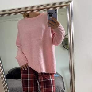 Denna tröjan kommer aldrig till användning därför säljer jag den! Köparen står för frakt!