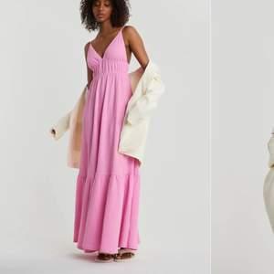 Slutsåld rosa klänning från Gina!!Använd en gång. Köparen står för frakt. Buda med minst 20kr💘