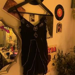 Gammalt linne som min mamma designade när hon hade butik