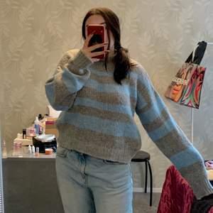Såååå skön stickad tröja från NAKD! Älskar mönstret 😍