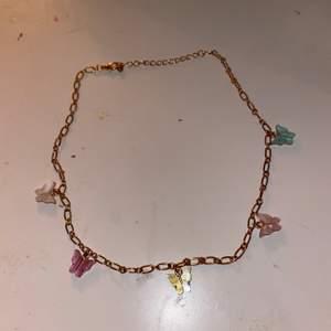 Jättegulligt halsband som inte kommit till så mycket användning tyvärr:/💕