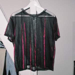 Glittrig mesh top, bra skick. size M 💓