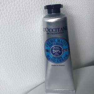 NY! L'Occitane Shea Hand Cream 30 ml. Värde 85 kr. Aldrig använd.