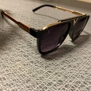 Nya mycket populära Louis Vuitton solglasögon.   Bra kvalitet. 250kr / fri frakt