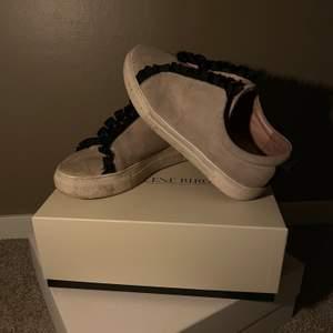 K.Cobler sneakers väl använda.