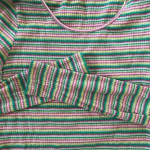 💜Randig ribbad tröja från Monki💜 frakten ingår i priset
