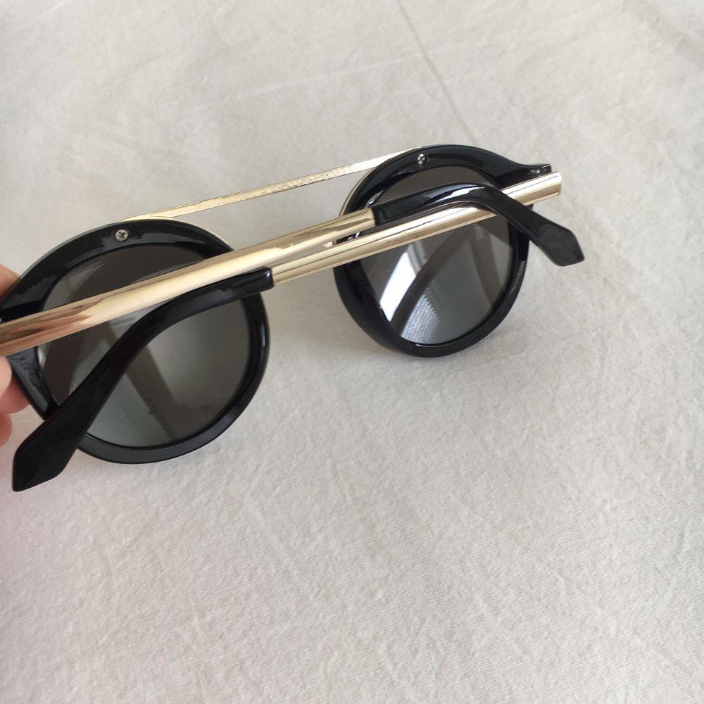 Svarta solglasögon i bra skick!🌸. Accessoarer.