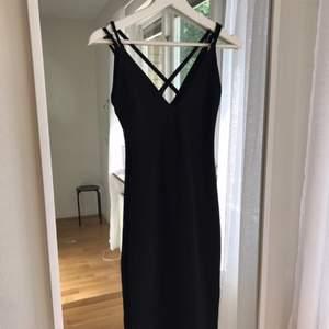 Ny klänning från Bikbok. Storlek XS men passar en S med.