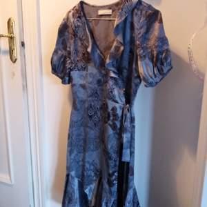 Fin blommig klänning från Odd Molly