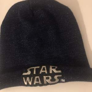 Star Wars mössa mörklila med glitter