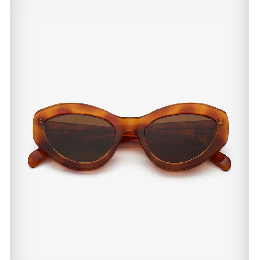 Söker chimi x Elsa hosk solglasögon i brun! Kontakta mig om du har å vill sälja till mig! . Accessoarer.