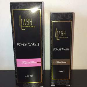 Helt nya och oanvända lash4lash fransförlängning & ansikts rengöringar (vegan vänliga). Säljs pga att jag köpte lite för många när jag hade fransförlängning men dessa blev aldrig öppnade. 100 ml för 80kr & 50ml för 60kr. Paketpris: 120kr.