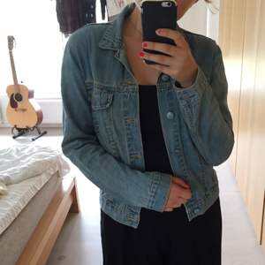 Skön jeansjacka från Cheap Monday.