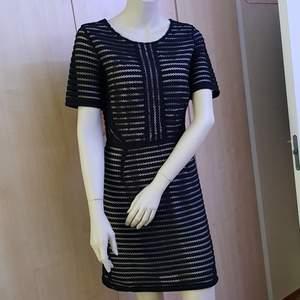 Saint Tropez kort klänning i svart färgen. 100% Polyester.  Stl. S ......jag använd 1 gång.