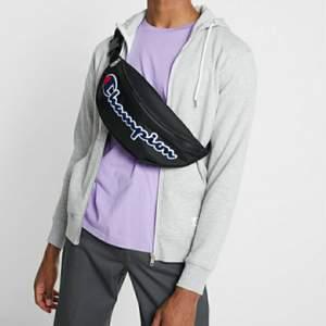 En championväska som jag bara har använt en gång. priset är inkl frakt samt kan priset diskuteras. :)