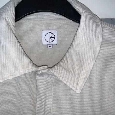 Over size Polar piké, Original priset är 1199kr, säljer den för 299kr. Använd 1 gång, skicket är 10/10. Str är M men passar även perfekt som en L. T-shirts.