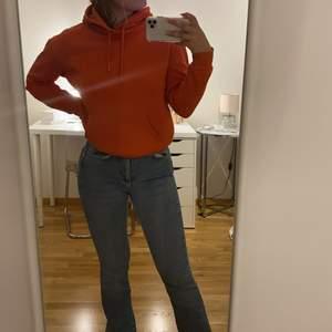 Superfin orange hoodie 60kr, storlek XS!