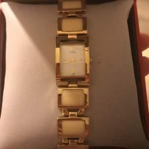 Säljer min klocka från Dyberg Kern. Priset kan diskuteras men frakt ingår ej.
