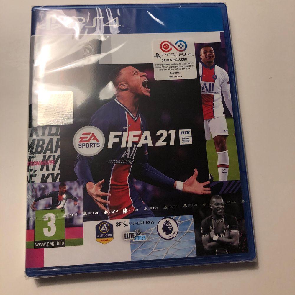 Säljer FIFA 21, helt oöppnad. Funkar för ps4/ps5.  . Övrigt.