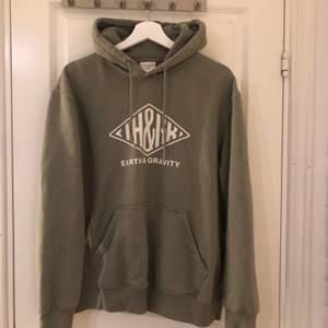 Vintage hoodie från H&M (köpt för 250kr) knappt använt denna så väldigt fint skick!