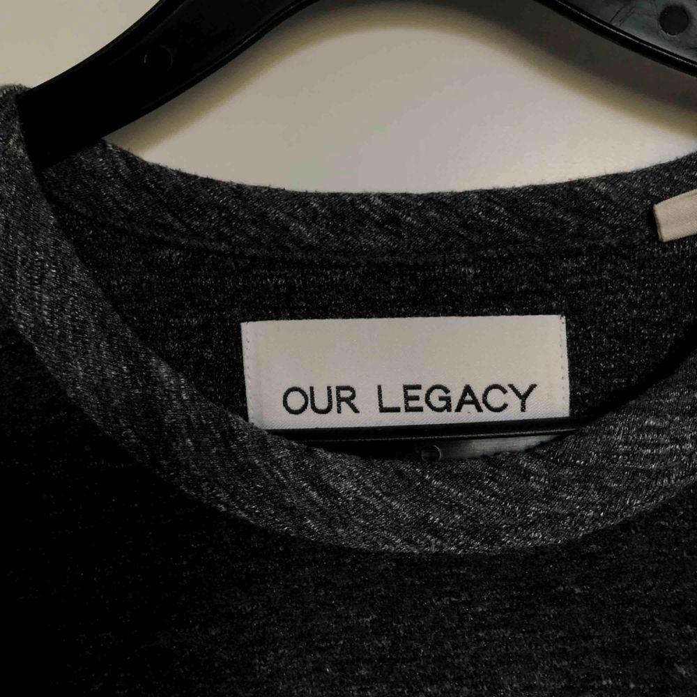 "Our legacy t-shirt i typ ""handdukstyg"" nypris 1400. T-shirts."
