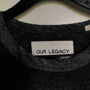 "Our legacy t-shirt i typ ""handdukstyg"" nypris 1400"
